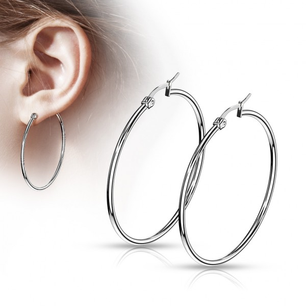 ein Paar Ohrringe aus rostfreiem Stahl